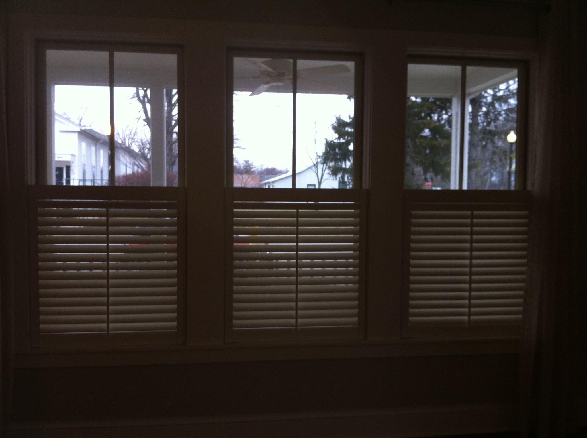 Half Shutters Cafe Style Carmel Fishers Indianapolis Zionsville Plantation Blinds Window Treatments